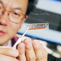 Nanogeneratori per ricaricare iPod & co con il battito cardiaco